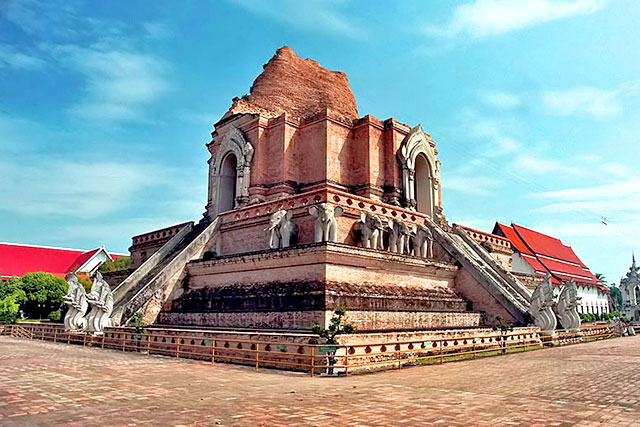 Wat Chedi Luang - 10 Places to Discover the Essence of Chiang Mai